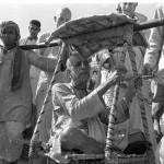 Bradża Mandal Parikram z A.C. Bhaktiwedantą Swamim. Stare zdjęcia