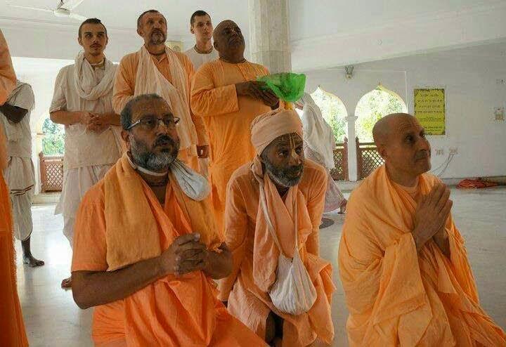 Bodhayan Maharaj and Radhanath Swami 2015