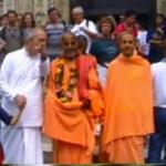 Wspólny kirtan Bhakti Vaibhava Puri Goswami i Radhanath Swami we Florencji 1997